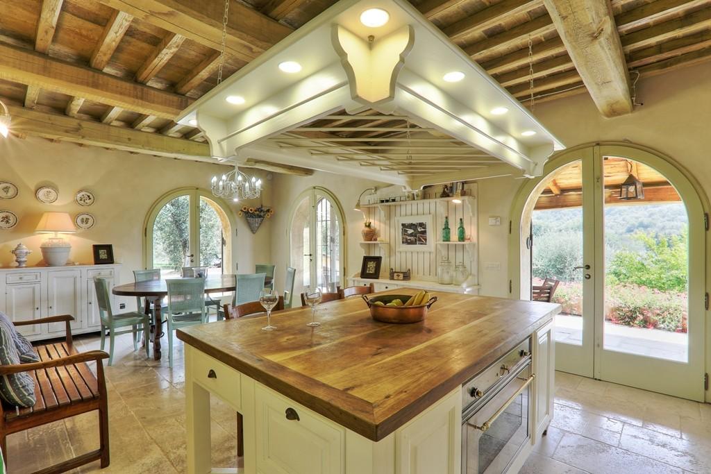 Jkmmt 13 coloniche e rustici costa toscana castagneto for Foto di case rustiche