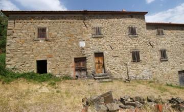 Farmhouses and farmsteads - JKM-943