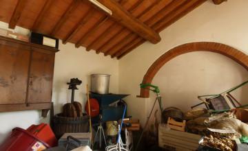 Farmhouses and farmsteads - JKM-879