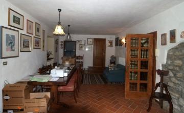 Farmhouses and farmsteads - JKM-1085